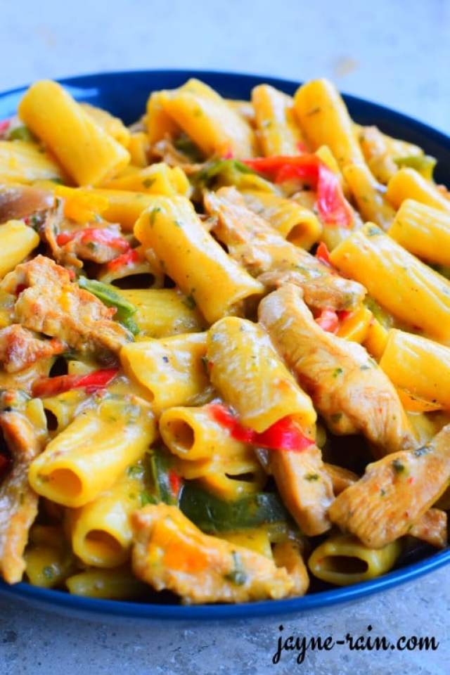 plate-of-creamy-pasta