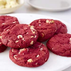 Red Velvet-White Chocolate Chip Cookies (4-pack)