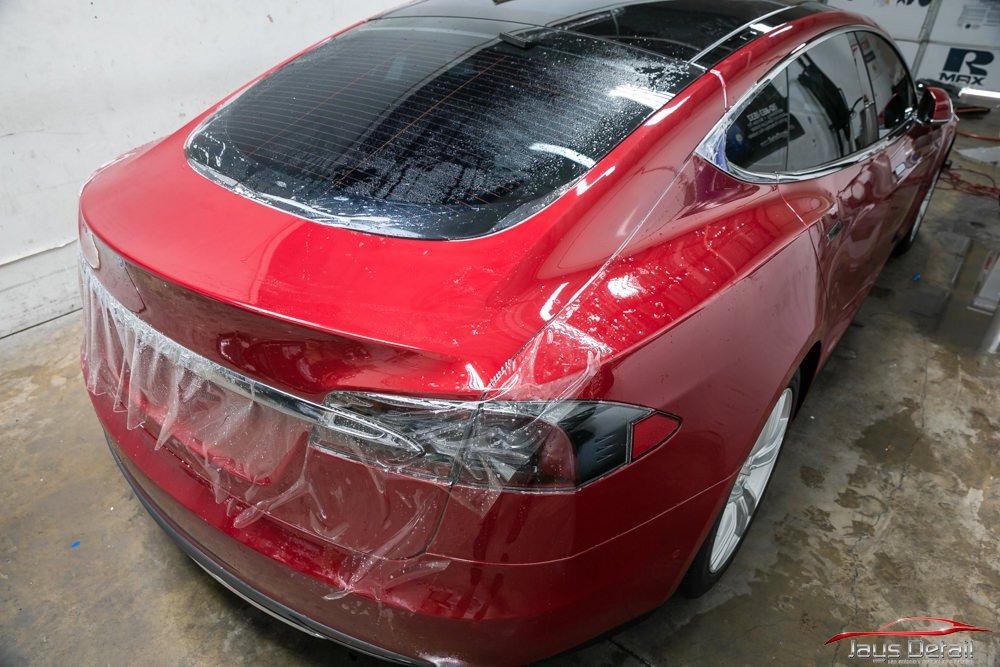 Tesla Model S hatch