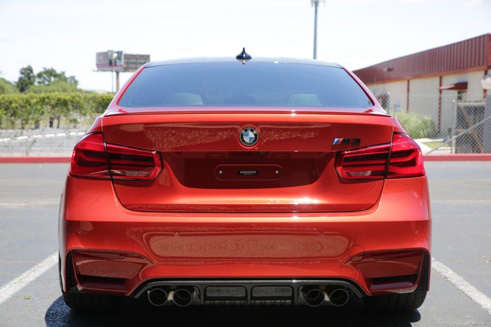 Sakir Orange BMW M4