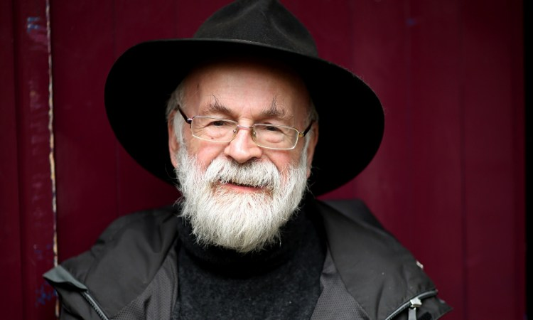 Terry-Pratchett-in-Salisb-009