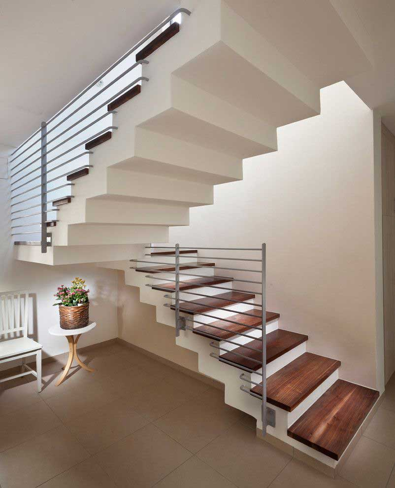 Straight Stairs with a Central Landing