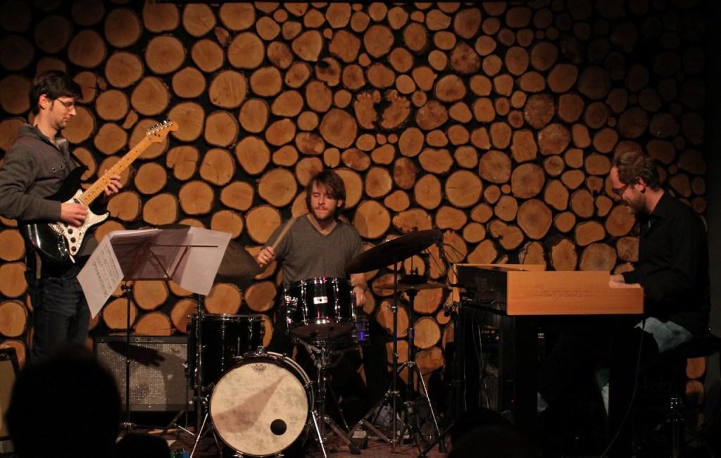 Fotos: MENGAMO Trio (12.12.2017)