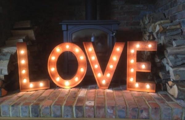 Буквы Jazzlight из металла с лампочками высотой 80 см