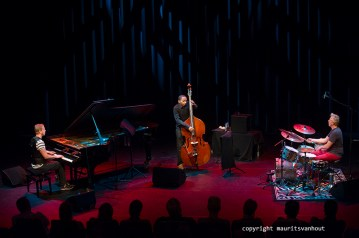 Rotterdam, 11 september 2015. Tingvall Trio treedt op in Lantaren Venster Rotterdam