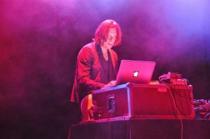 Ambient jako hudba naděje a víry v civilizaci