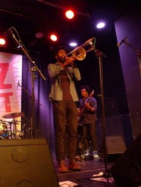Corey King - trombón