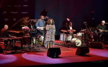 Dianne Reeves & band
