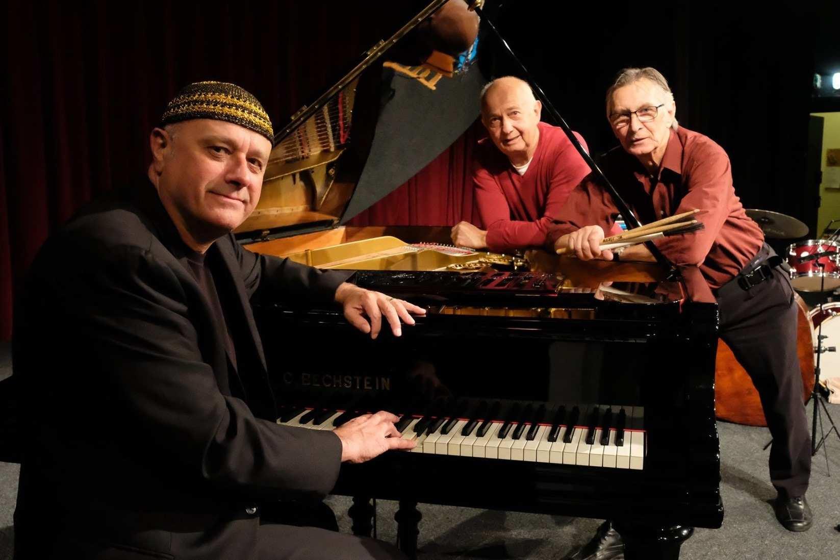 Fotka kapely MUH Trio