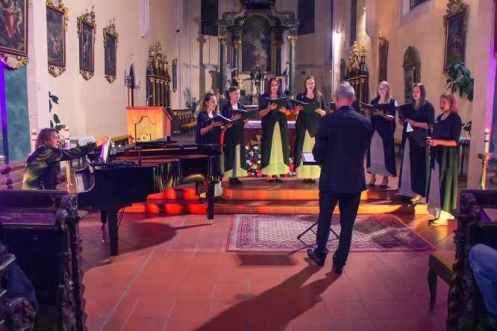 KRZYSZTOF KOBYLIŃSKI & Voces Gregorianae Cassovienses: Spero