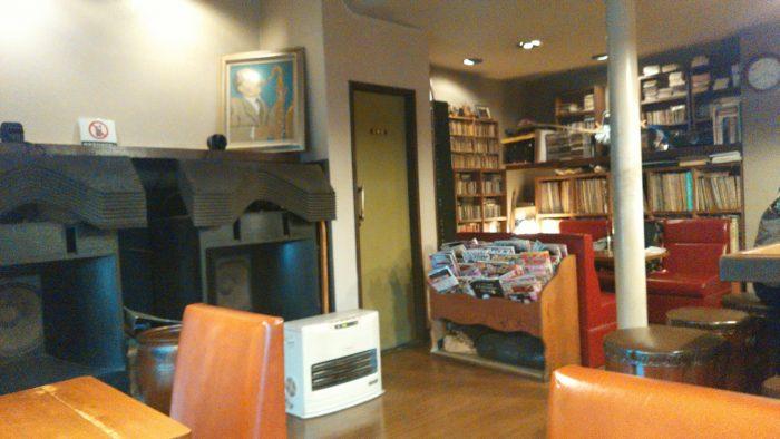 福岡市中央区にあるジャズ喫茶JABの店内。