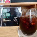 ジャズのアルバム『BILL EVANS SONGS ON TIME REMEMBERD』とアイスコーヒー