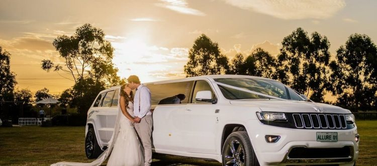 Wedding Coming Up? 4 Tips to Hire a Wedding Transport Service