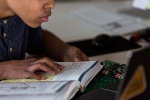 「アメリカ最高の高校」は、生徒に教師のほうを向いて座らせない