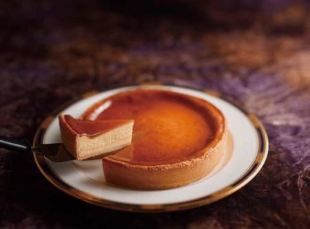 しっとりとした舌ざわりとまろやかな甘蜜、濃厚なチーズのハーモニーが広がるチーズケーキは、モンドセレクション2年連続最高金賞受賞の逸品 通販も可能