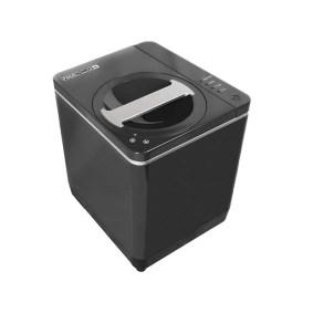 エコ・地球環境改善法の先進国カナダ発の小型でスタイリッシュな生ゴミリサイクルマシン「フードサイクラー」。シンプルかつ簡単な操作で、生ゴミをわずか3時間で栄養豊富な土と肥料に変化させる。自治体により購入助成金が活用できるのでウェブサイトからチェックしてほしい 61,380円(税込)