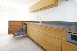 「BOSCH」の食洗機をビルトイン。設備機器は国内外問わず、組み合わせ自由