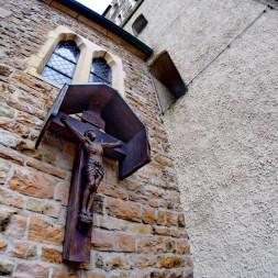07-fassadenkreuz