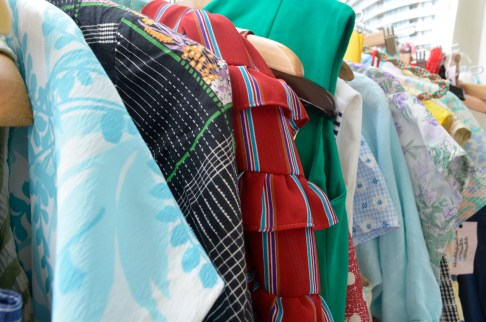 vintage clothes at Lulu & Lolie