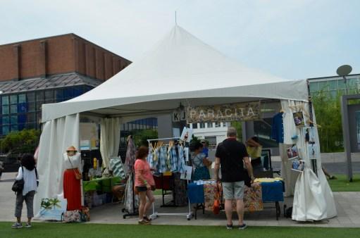 Paracita and Casa Lovina share a tent