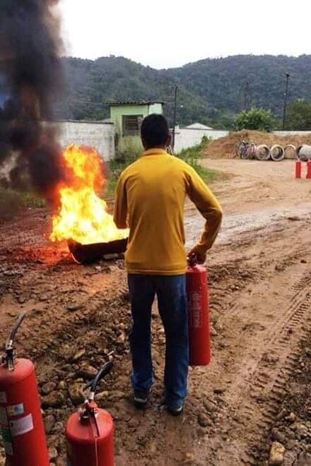 8° Grupamento de Bombeiros promove simulado de evacuação em escolas de Guaraqueçaba 1