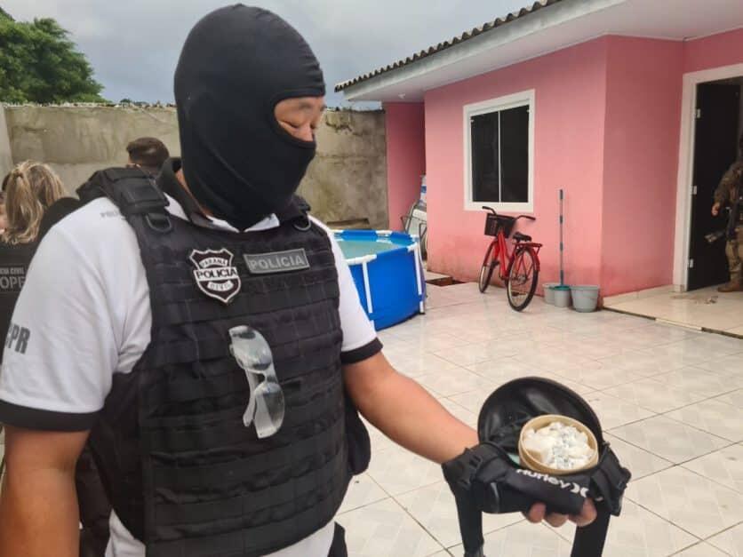 Polícia prende três suspeitos em ação contra tráfico de drogas e homicídios em Matinhos; veja o vídeo 1