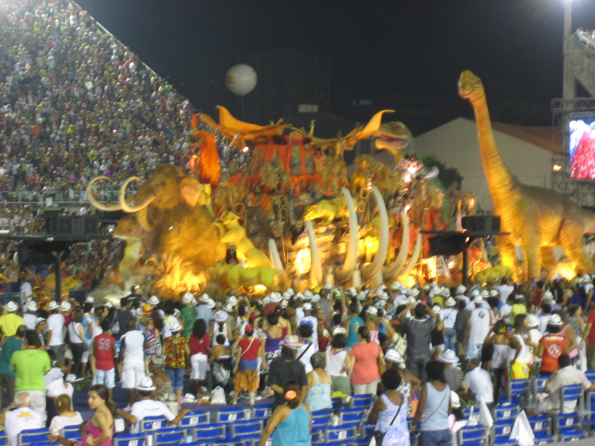 An awesome float at Carnaval.