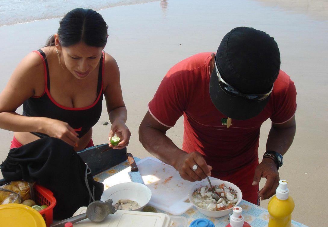 En la Ruta del Sol puedes saborear un ceviche de espondilus (Concha Gigante) hecho en el momento
