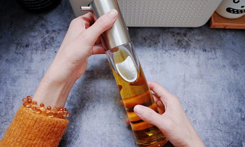 煮婦最需要的調味罐|德國AdHoc 流量控制透明油醋罐