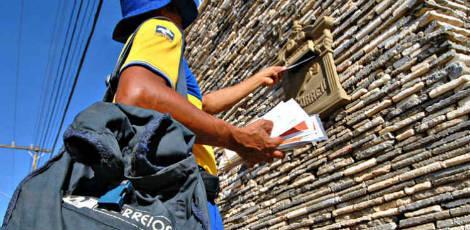 Correios têm cerca de 3,5 mil servidores em Pernambuco e 200 agências / Foto: Chico Porto/ Acervo JC Imagem