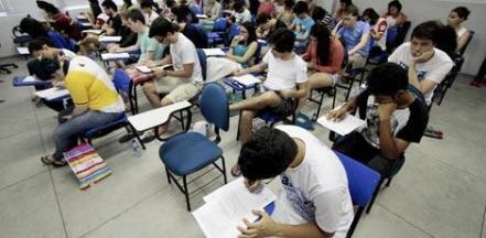 Resultado de imagem para Exame para certificar conclusão de ensino médio será realizado em outubro