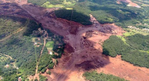 A barragem se rompeu no dia 25 de janeiro e deixou mais de 200 mortos  / Foto: Divulgação/Corpo de Bombeiros-MG