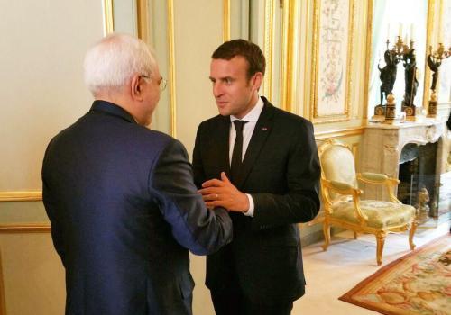 Macron, Zarif