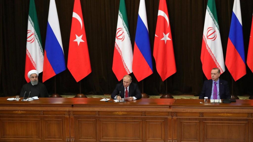 """פוטין מכין """"מפת דרכים"""" בסוריה"""