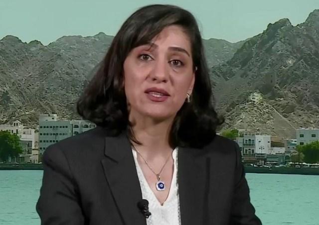 """המפקחת לשעבר ברשות השידור האיראנית חושפת מעומאן מידע ביטחוני על משה""""מ והמנהיג . התמונה מהריאיון שהיא העניקה בשבוע שעבר לערוץ הלונדוני, """"איראן אינטרנשנאל"""