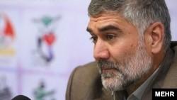 מפקד הביסג' של ארגון האתלטיקה באיראן, דאווד אזארנוש