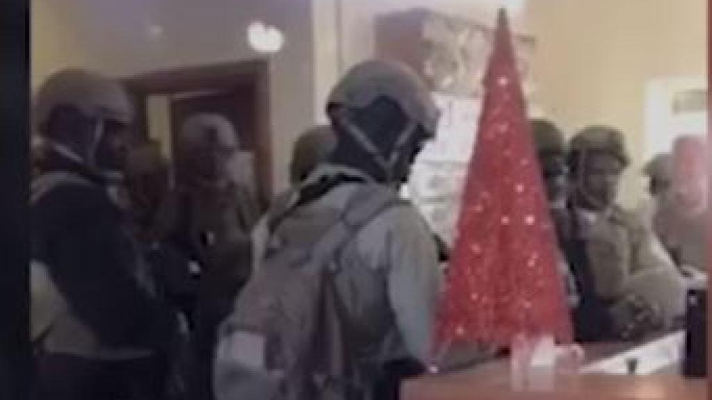 עיראק: פנים אל מול פנים – המפגינים וחיילים אמריקאים