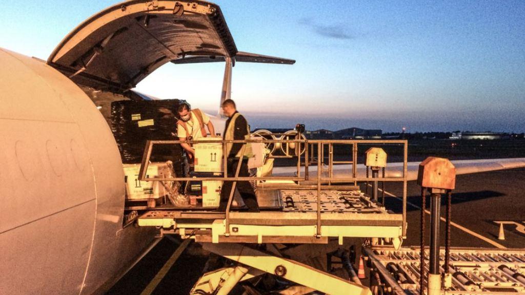 איראן גרשה צוות הומניטרי צרפתי