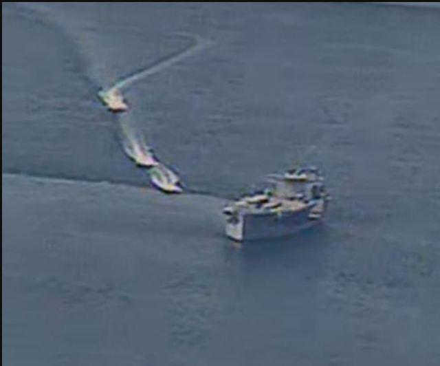 צילום של התקרבות הספינות על ידי חיל הים האמריקאי