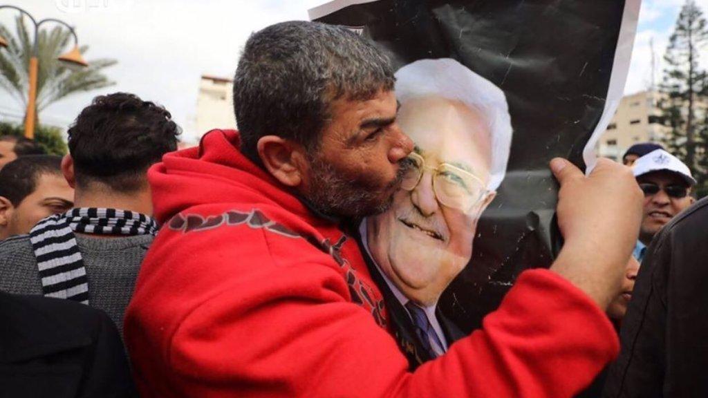משבר הקורונה: עבאס ביקש להעלאות שכר בחשאי – הרחוב הפלסטיני קיפל אותו
