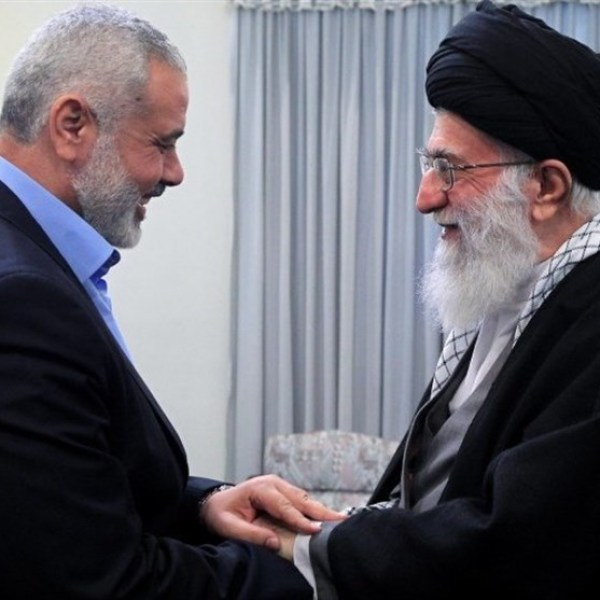 חמינאי משבח את ההתנגדות של חמאס
