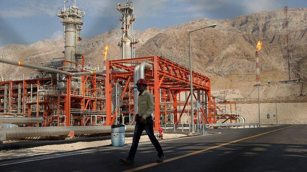 איראן: הושגה הסכמה על הקלה בייצוא נפט