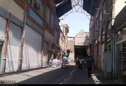 Traders' strike in the huge Tehran Bazaar