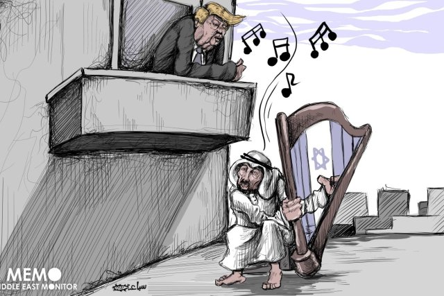 Saudi attracts U.S. attention by singing Israel's tunes – Cartoon [Sabaaneh/Middle East Monitor]