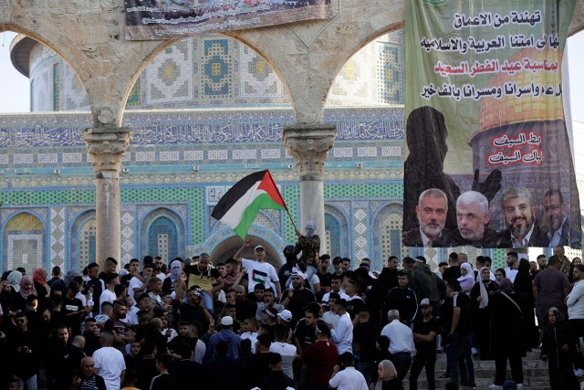 Hamas banners fly over the Temple Mount