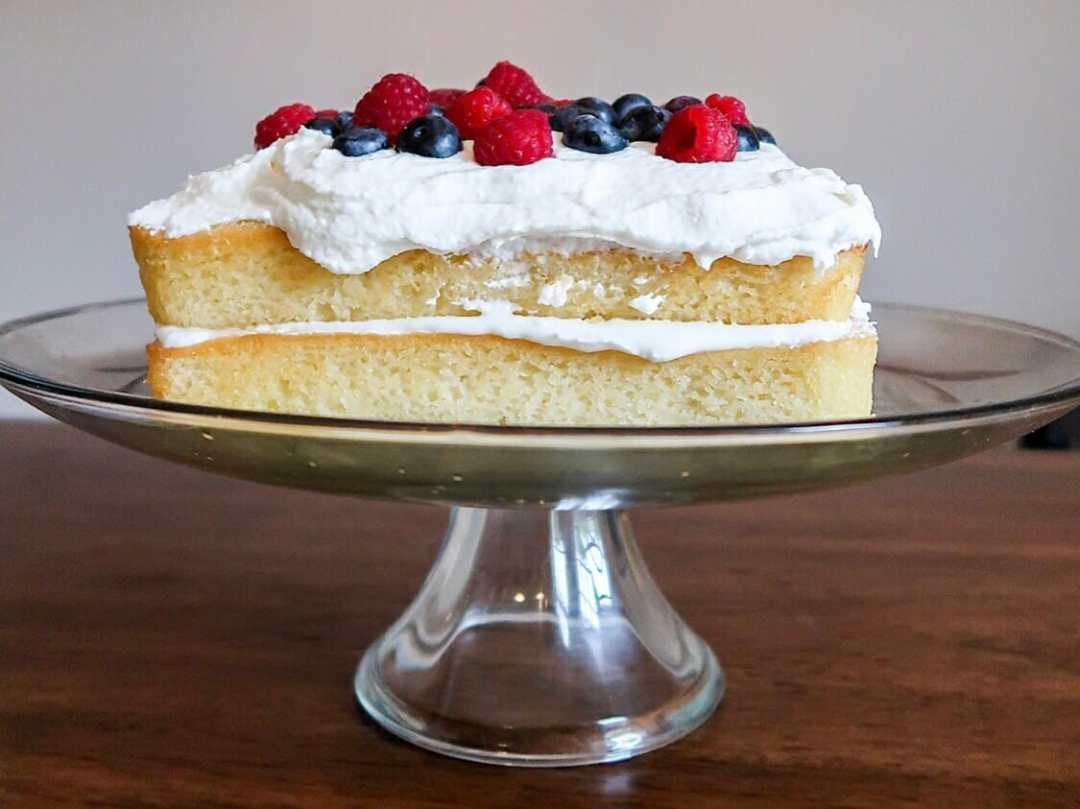 Lemon Ale-8-One Kentucky Derby Cake by JC Phelps (JCP Eats)