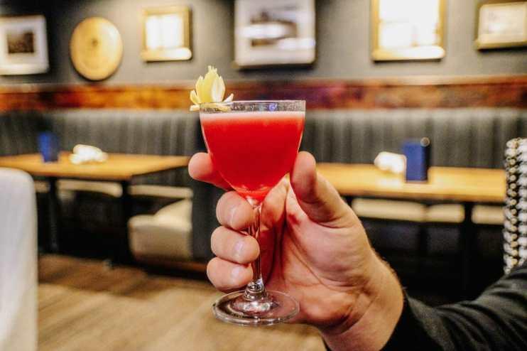 Jockey Silks Bourbon Bar: Downtown Louisville Bourbon Bars + Cocktails, Galt House Hotel, shot by JC Phelps of JCP Eats
