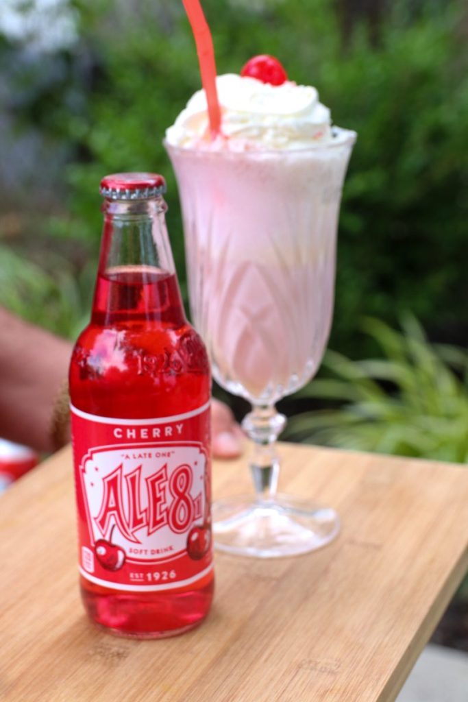 Ale 8 One Cherry Float