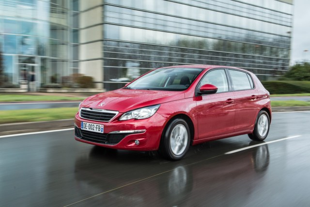 PEUGEOT 308 1.6 BlueHDI 120 Business Pack
