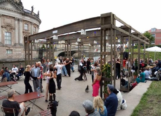 Strandbar tango i Berlin